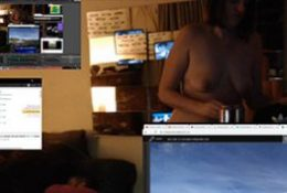 Nude Girl Forgets To Turn Off Twitch Stream